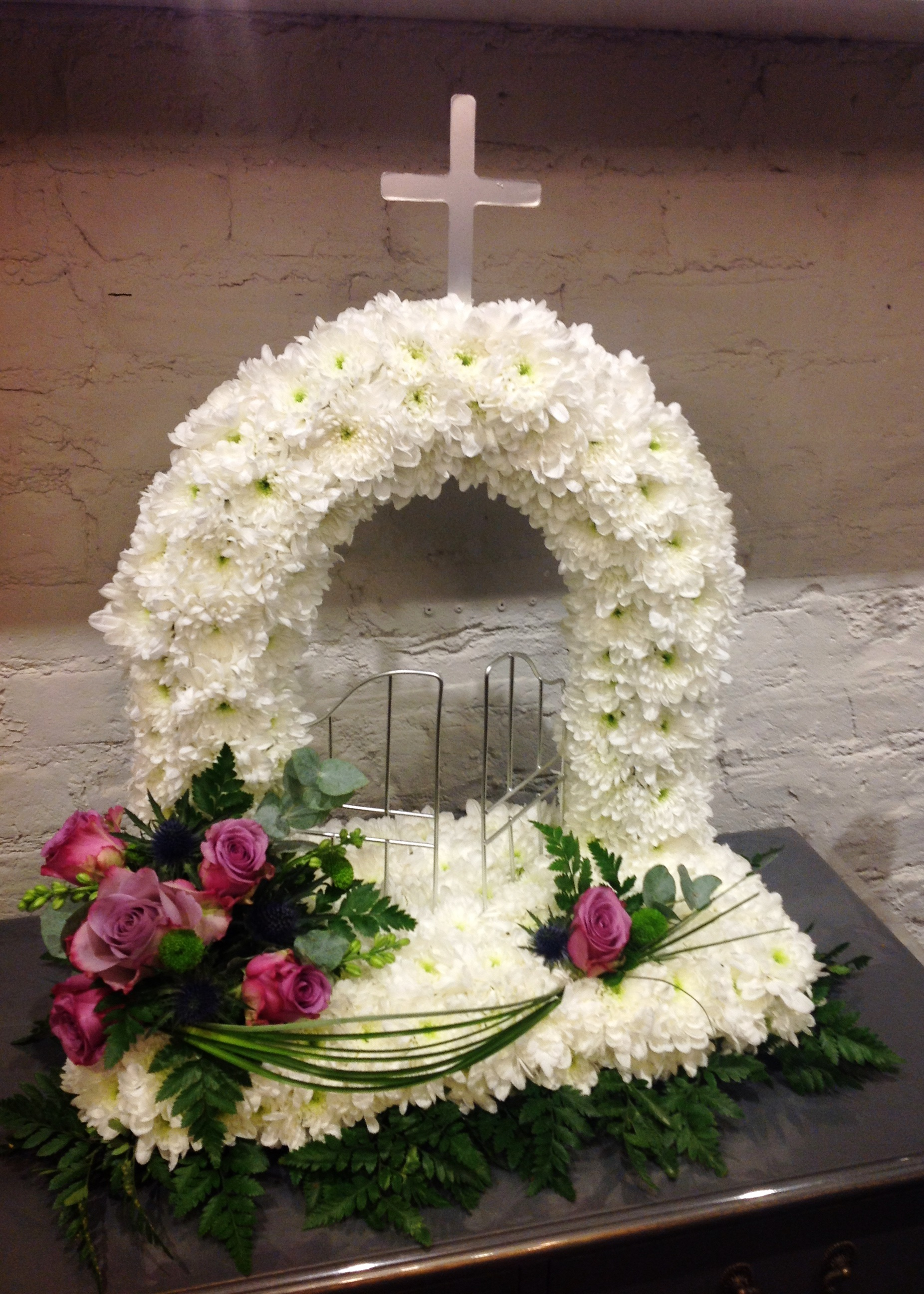 Sympathy flowers for your loved one bellerose flower boutique sympathy izmirmasajfo