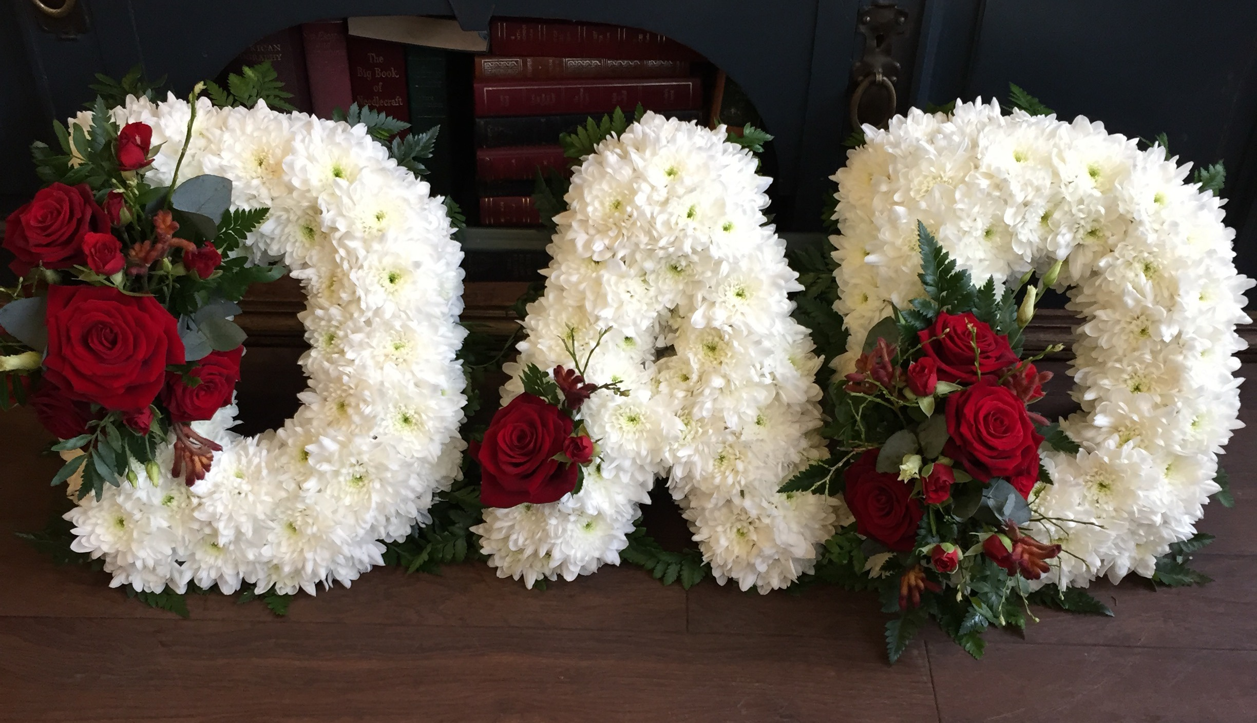 Sympathy flowers for your loved one bellerose flower boutique sympathy izmirmasajfo Images